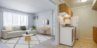Ellyn Crossing Apartments Photo Gallery 1