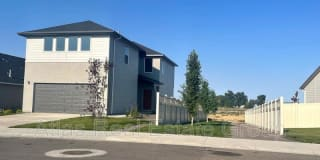 1605 N Thistle Dr Photo Gallery 1