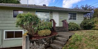 521 N 5th Ave SW Photo Gallery 1