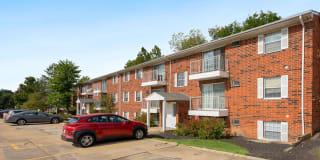 Walnut Hills Apartments Photo Gallery 1