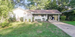7260 Northbrook Dr Photo Gallery 1