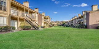Keller Oaks Apartments Photo Gallery 1