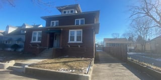 605 Hirsch Ave Apt 1S Photo Gallery 1