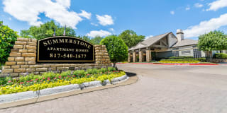 Summerstone Apartment Homes Photo Gallery 1