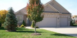 1324 Meadowbrook Dr Photo Gallery 1
