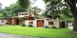 539 Woodcrest Dr Photo Gallery 1