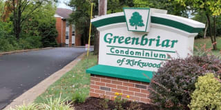 1984 Green Glen Dr. Unit 301 Photo Gallery 1