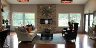 Woodhollow Apartments Photo Gallery 1