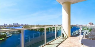3055 HARBOR DR Photo Gallery 1