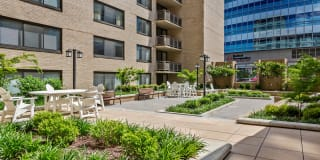 Cole Spring Plaza Apartments Photo Gallery 1