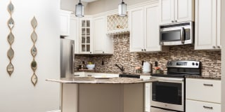 Bradford Luxury Apartments and Townhomes Photo Gallery 1