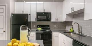 Braxton Cary Weston Apartments Photo Gallery 1