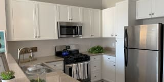The Enclave at Warner Center Apartment Homes Photo Gallery 1