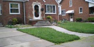 8091 Warren Blvd. Photo Gallery 1