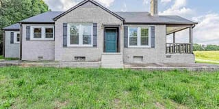 1015 Cely Road Photo Gallery 1