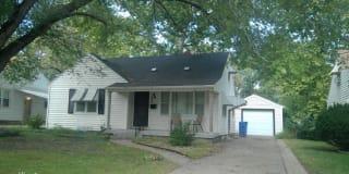 310 SW Hillside Ave Photo Gallery 1