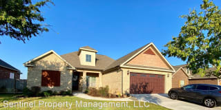 324 Rolling Acres Dr Photo Gallery 1
