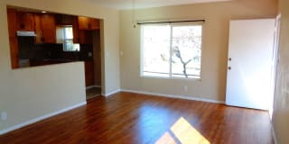 4327 Fisher St Photo Gallery 1