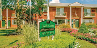 Emerald Apartments Photo Gallery 1