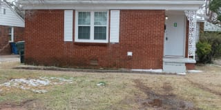512 E. Indian Dr Photo Gallery 1