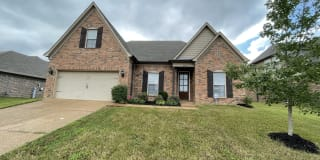 2274 Southern Woods Dr Photo Gallery 1