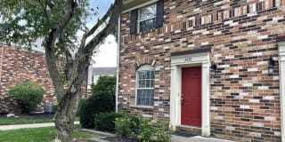 2575 Olde Hill Court N Photo Gallery 1
