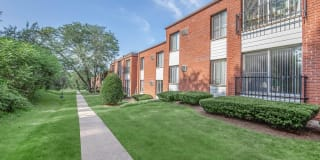 Forest Park Apartments Photo Gallery 1
