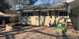 2556 N Parkview Dr Photo Gallery 1