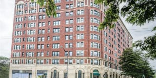 7100 South Shore Apartment Homes Photo Gallery 1