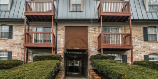 Station J-Town Apartments Photo Gallery 1