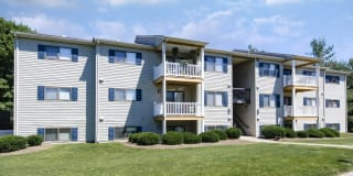 Hickory Woods Apartments Photo Gallery 1