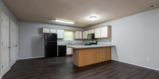 Town Square Apartments Photo Gallery 1