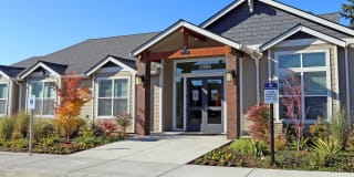 Highland Crossing Apartments Photo Gallery 1