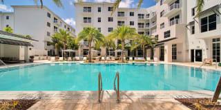 Vesada Luxury Apartment Homes Photo Gallery 1