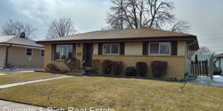 5704 51st Ave Photo Gallery 1