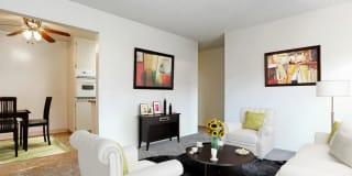 Marina Plaza Apartments Photo Gallery 1