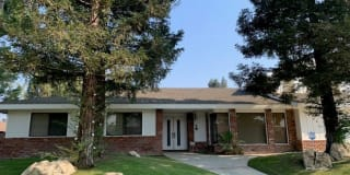 3504 CREST DR. Photo Gallery 1