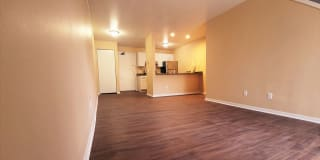 Summit Hill Apartments Photo Gallery 1