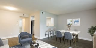 Silver Palms Apartments Photo Gallery 1