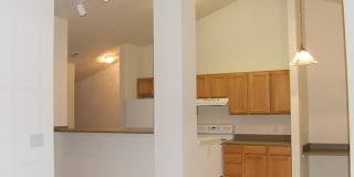 Watersedge Apartments Photo Gallery 1