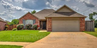 11602 S Mulberry Ln Photo Gallery 1