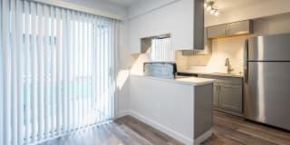 Fox Meadows Apartments Photo Gallery 1