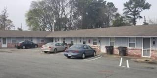 120 South Elm Street Photo Gallery 1