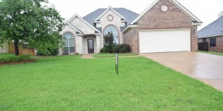 802 Marshall Dr Photo Gallery 1