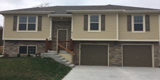 411 Golfview Drive Photo Gallery 1