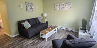 1303 Hastings Ave #2 Photo Gallery 1