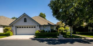 6664 North Seedlescombe Drive Photo Gallery 1