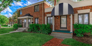 Huntington Parc Townhomes Photo Gallery 1