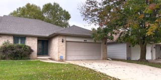 2710 Findley Dr Photo Gallery 1