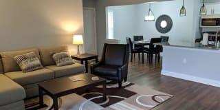 Flex Lease/Furnished @ Auburn Gate Apartments Photo Gallery 1
